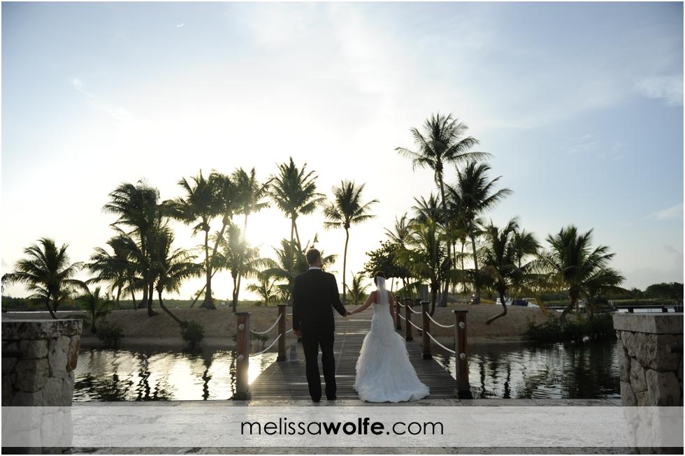 melissa-wolfe-photographgy-cayman-trash-the-dress0004.JPG