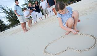 cayman islands family portrait photographer